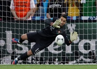 http://bc02.rp-online.de/polopoly_fs/epa03284824-portugals-goalkeeper-rui-patricio-saves-1.2888582.1340833324!/httpImage/3846547806.jpg_gen/derivatives/rpo_zoom1024/3846547806.jpg