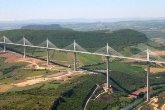 http://www.etoday.ru/uploads/2009/12/08/top10_buildings_le_viaduc_de_millau_aveyron3.jpg