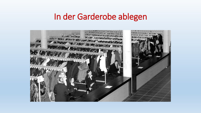 In der Garderobe ablegen